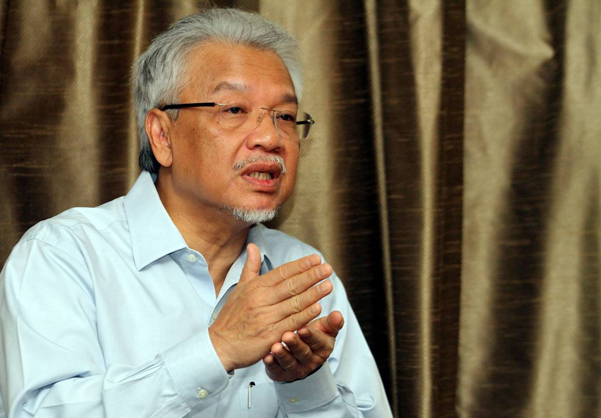 After praying in Mecca, I decided to quit as minister, Husni tells