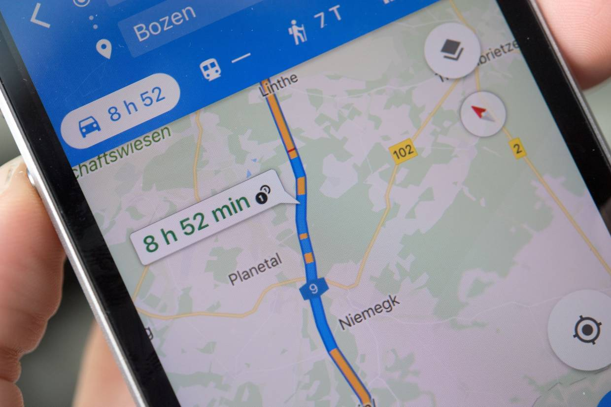 Google Maps Live View Goes Live On Android And Ios Devices This Week The Star Google maps can do so much more than show you where you are. https www thestar com my tech tech news 2019 08 09 google maps live view goes live on android and ios devices this week