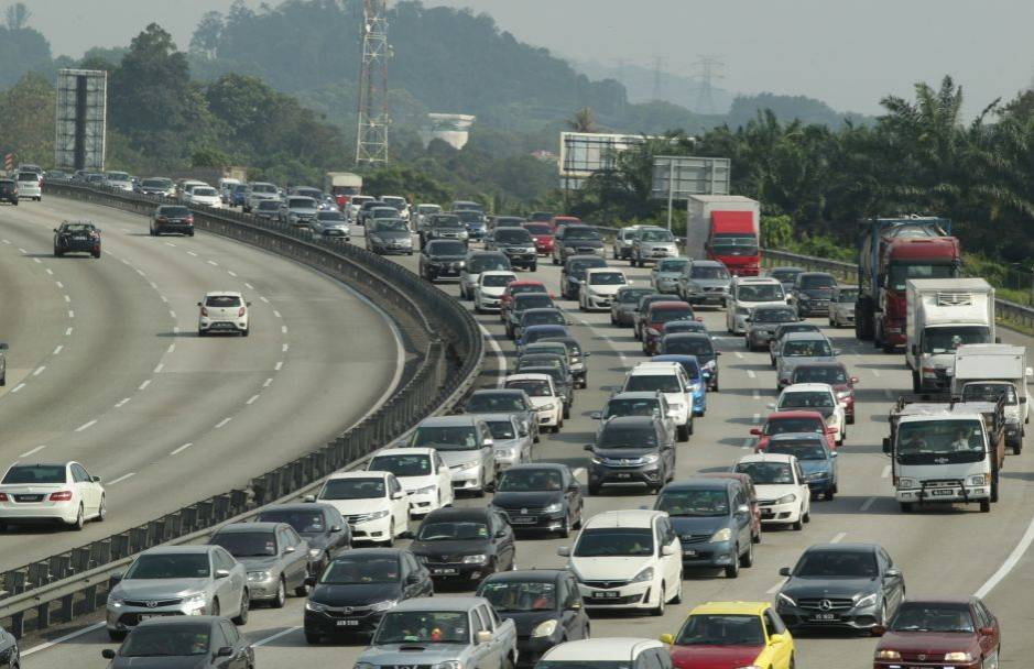 Slow-moving traffic on major highways as at 11am | The Star Online