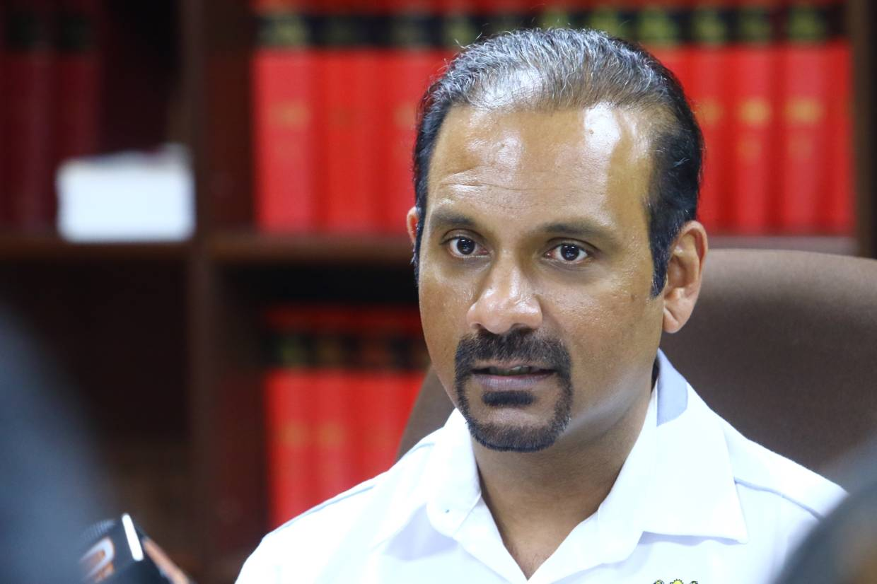 Dr M should not have labelled Dong Zong 'racist', says Ramkarpal