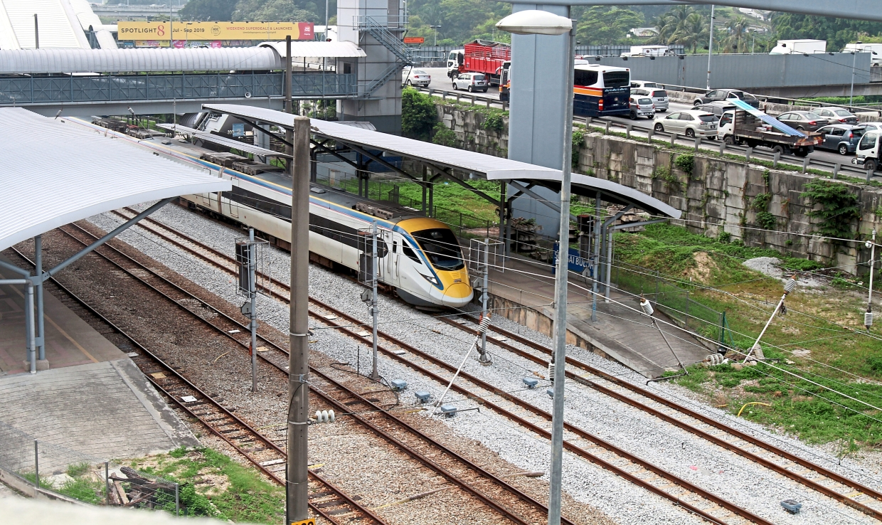 When KTM's Electric Train Service faces a technical problem, it will affect the Komuter service too as they share the same track.