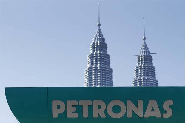Only few local companies could benefit from Petroliam Nasional Bhd's (Petronas) overseas upstream focus, says UOB Kay Hian Research.