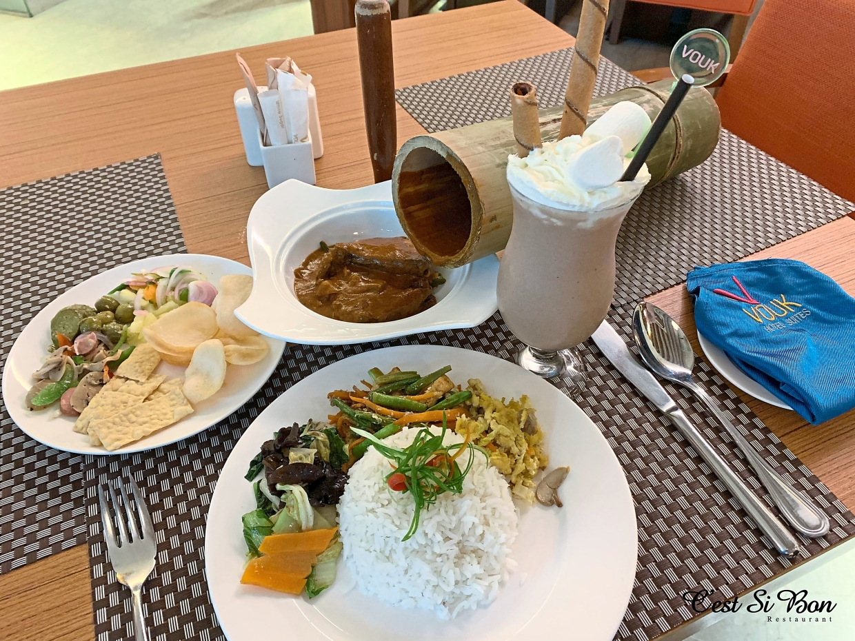 A hearty semi-buffet lunch. It is served daily until Sept 30.