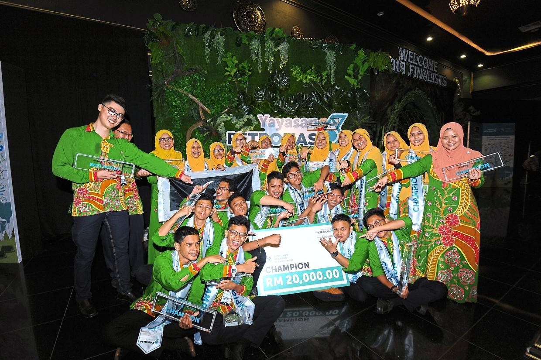 Terengganu school bags grand prize