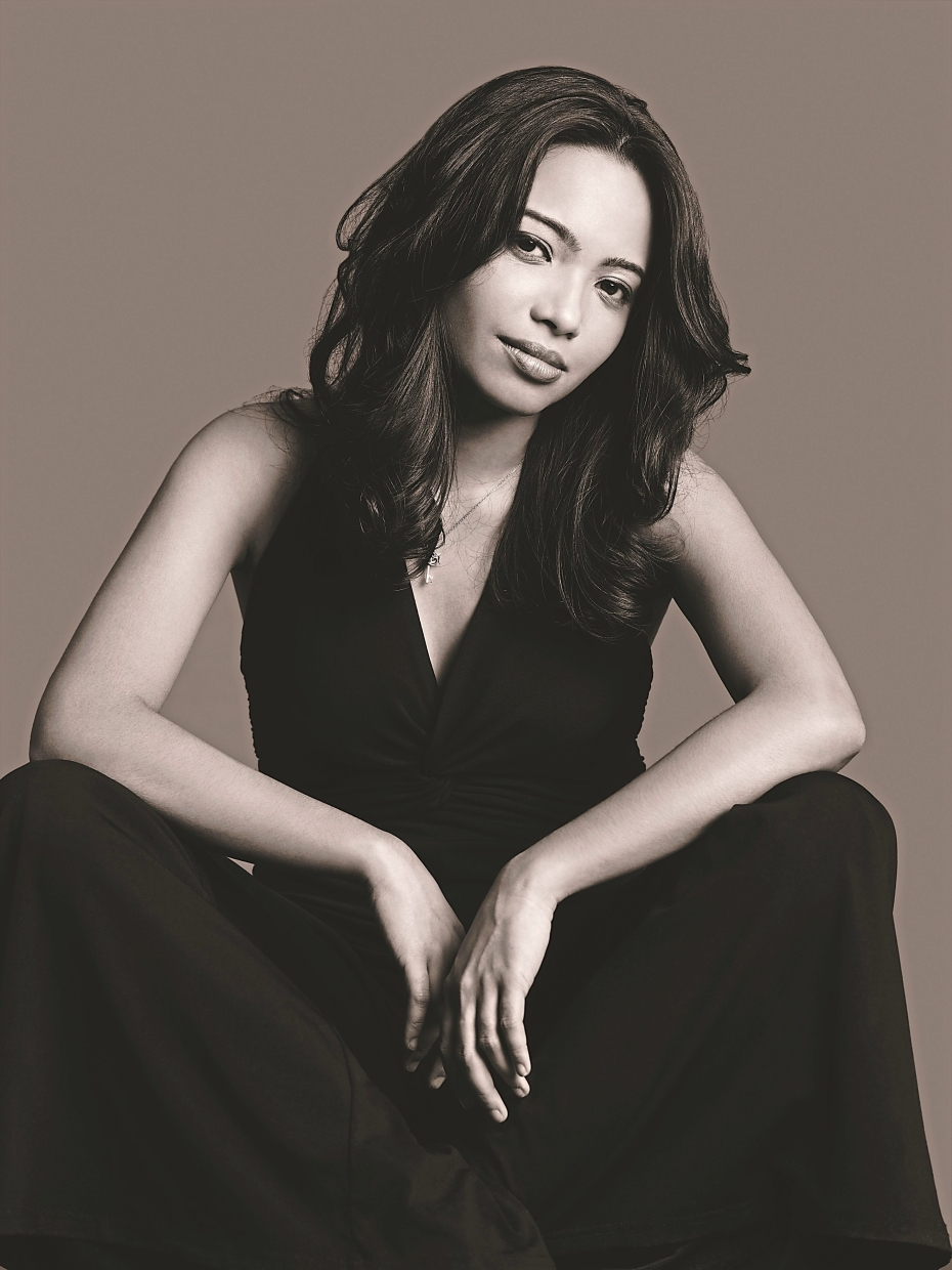 Dasha Logan joins the Michael Veerapen Trio  for some jazzy grooves in Alexis KL next weekend