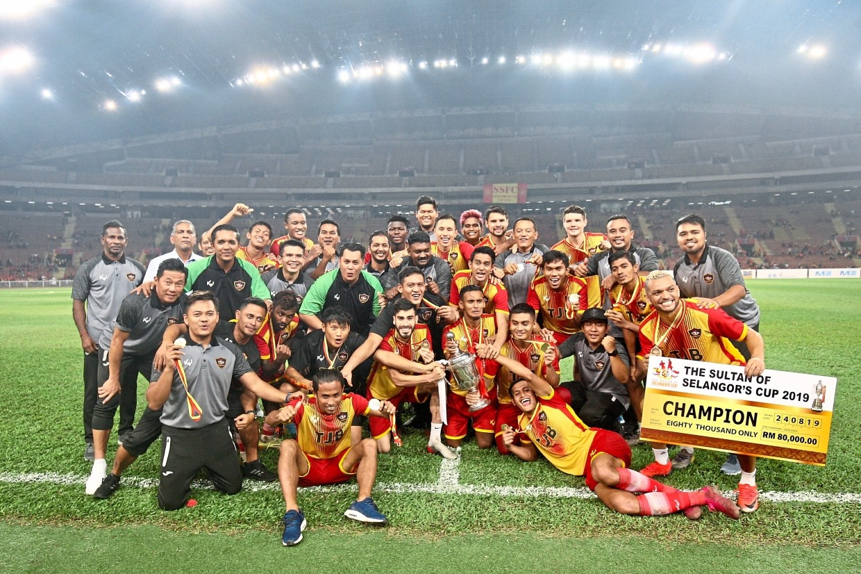The Selangor Selection team celebrating their second consecutive title.