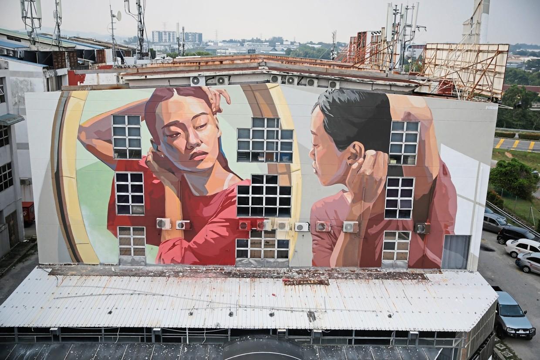 'Change and Reflection' mural in SS19, Subang Jaya.