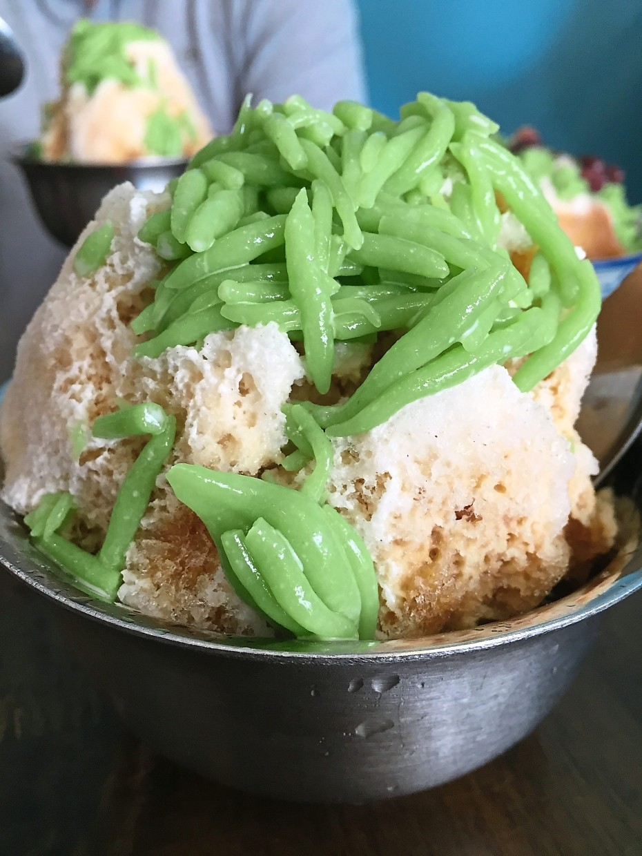 Kwong Wah ais kacang is worth the wait if you are not in a hurry.