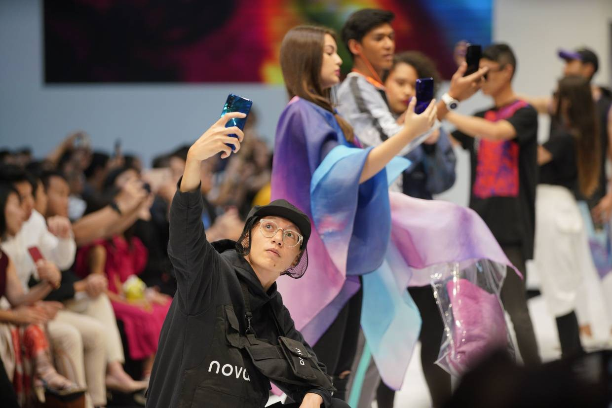 Fashion is the name of the game with the new nova 5T, recently launched at KLFW 2019.