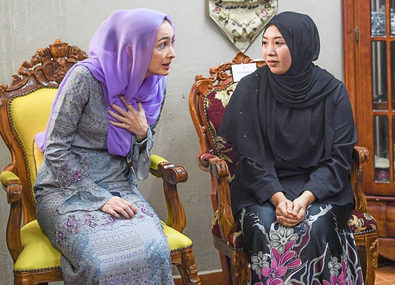 Royal comfort: Tuanku Zara Salim (left) speaking to Nour Shafinar at her home in Taman Perpaduan Ulu Kinta in Perak.