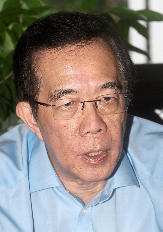 Dr Milton Lum