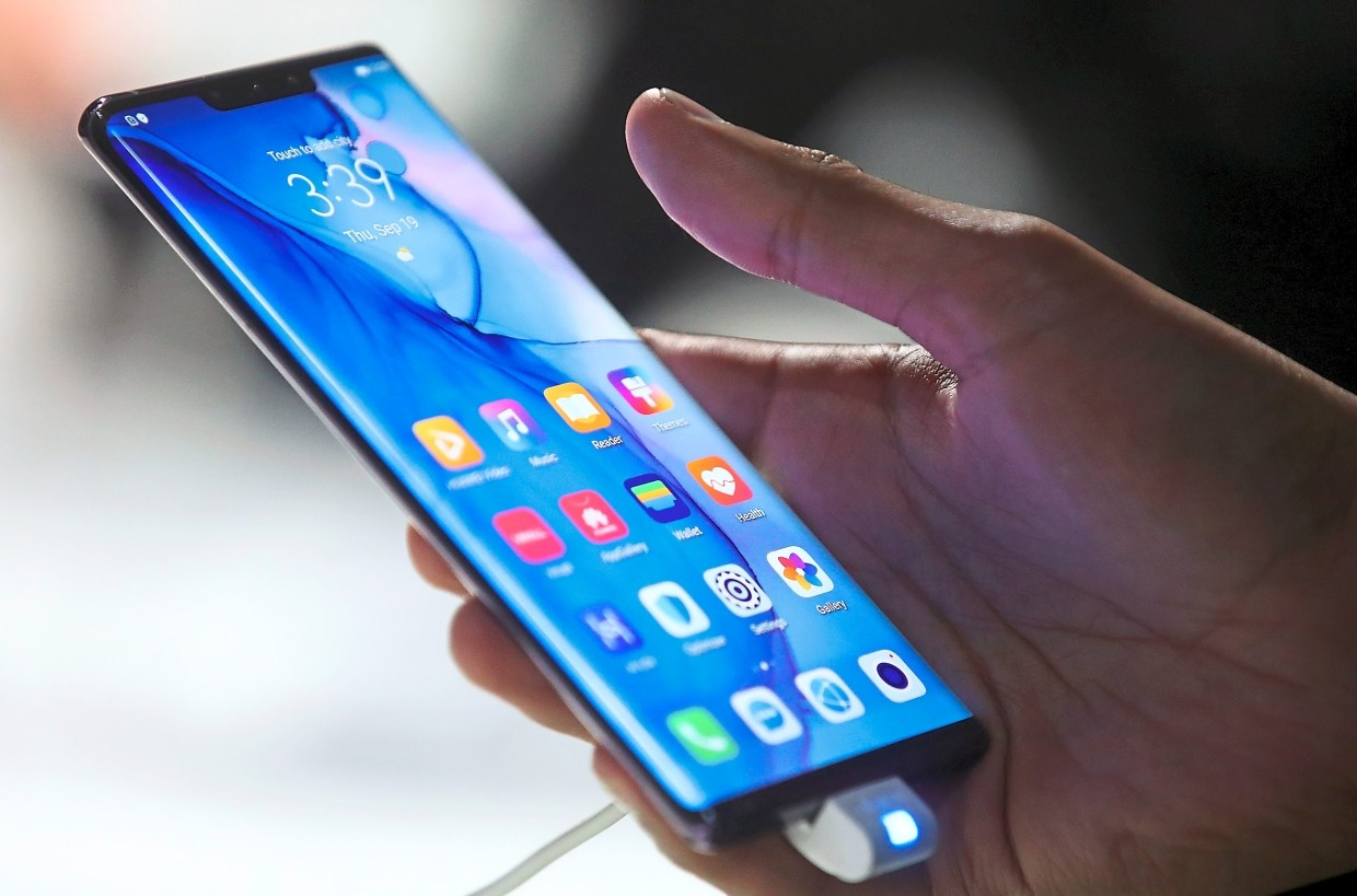 The Mate 30 Pro's screen curves at an 88° angle and boasts a new colour rendering engine. — Bloomberg