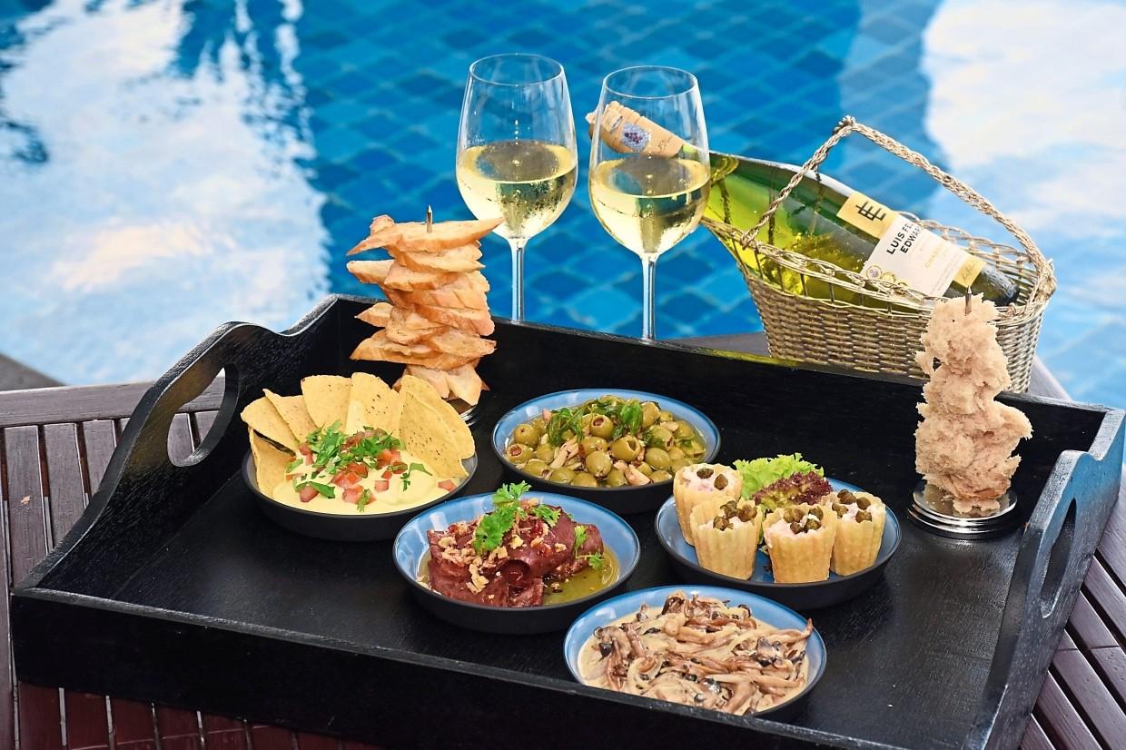One can also have Bruschetta Platter which comes with five tapas items.