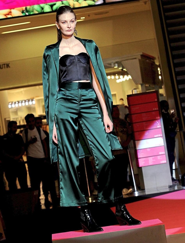 An ensemble from Ho's brand, Liren.