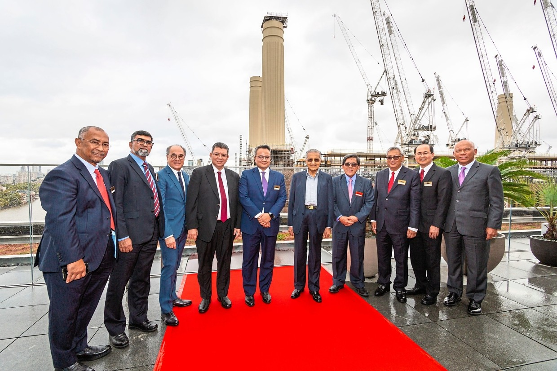 Mahathir tours London Battersea Power Station