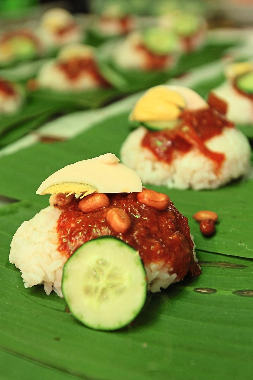 Hidayah says there is no secret behind their nasi lemak's success except that the family uses her grandfather's recipe.