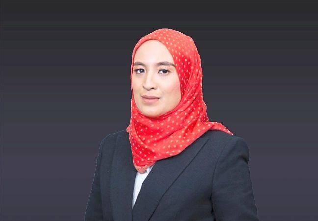 Azlina was once assistant company secretary at TNB.