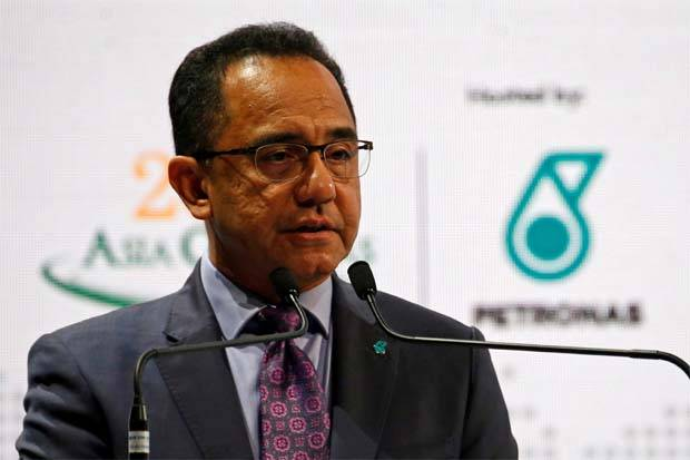 According to Petronas president and group CEO Tan Sri Wan Zulkiflee Wan Ariffin, the group remains committed to its planned RM50bil capex spending for 2019 – to be allocated equally between Malaysia and overseas projects.