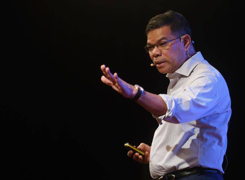 Saifuddin hopes fuel subsidy for B40, M40 to be implemented simultaneously