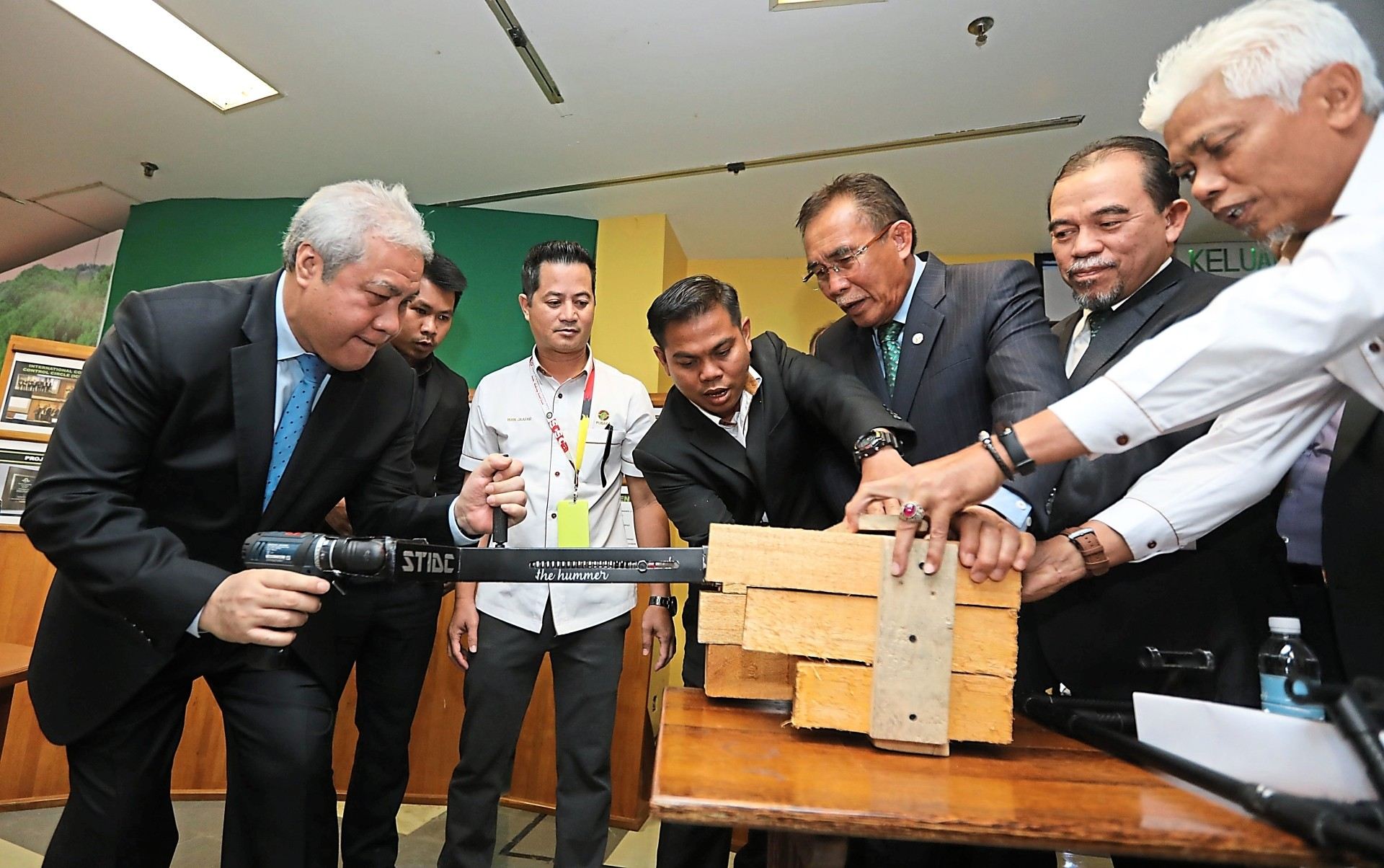 Sarawak Timber Industry To Grow With The Times The Star