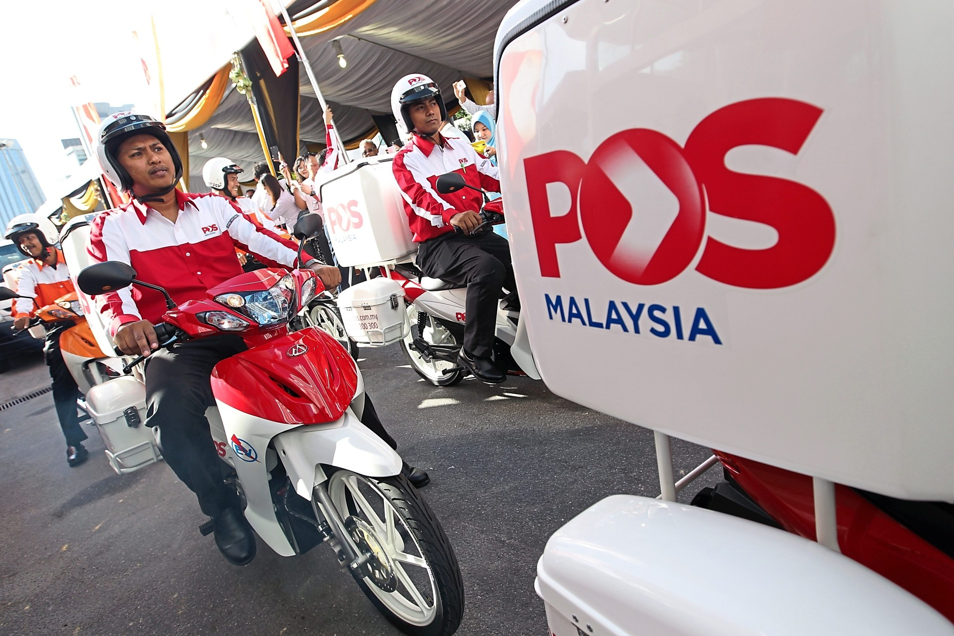 Despite a system shutdown that affected its website and other online services, Pos Malaysia said delivery of items were carried out as usual. — AZMAN GHANI/The Star