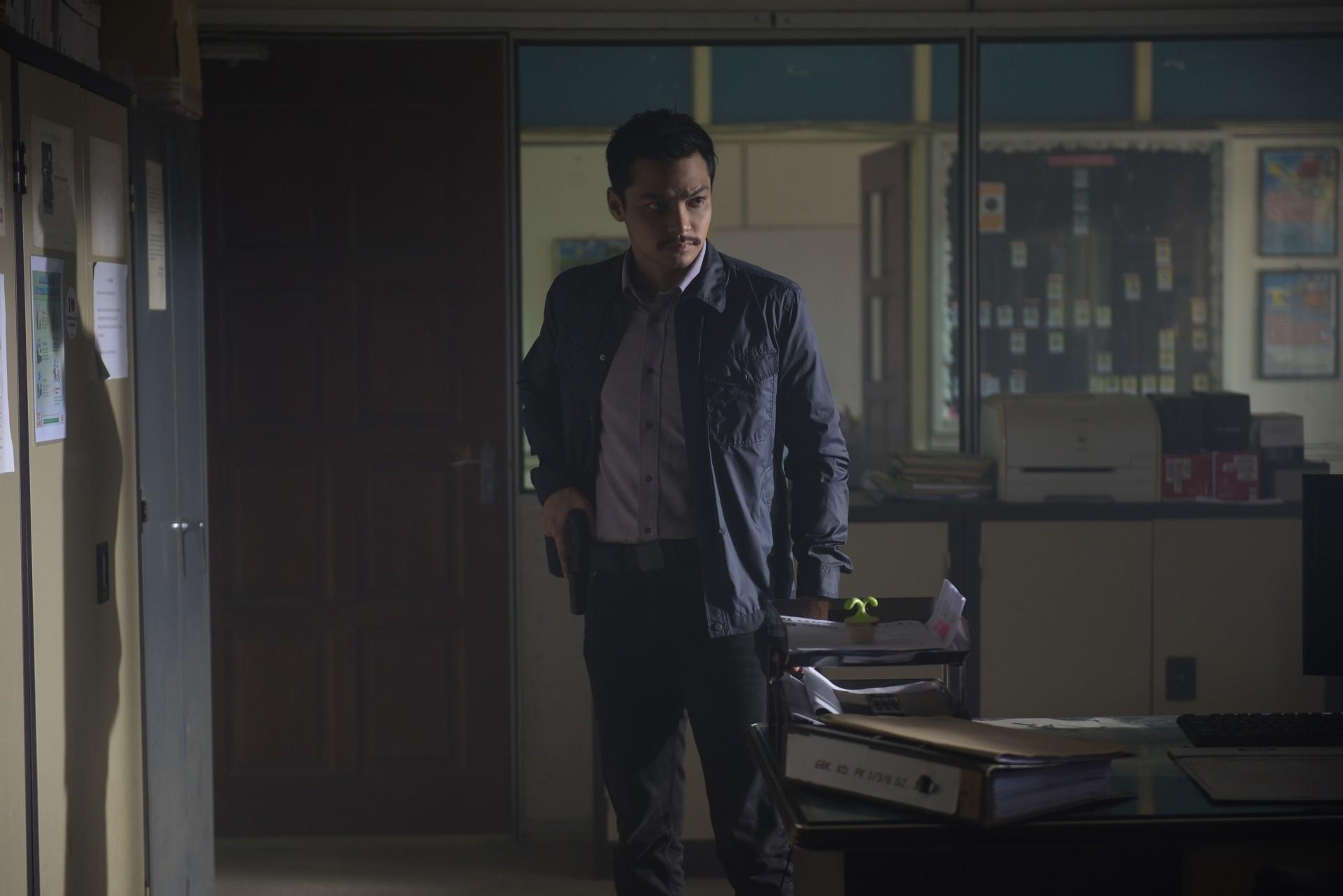 Syafiq Kyle plays Inspector Nuar who is caught in a bizarre case involving black magic.