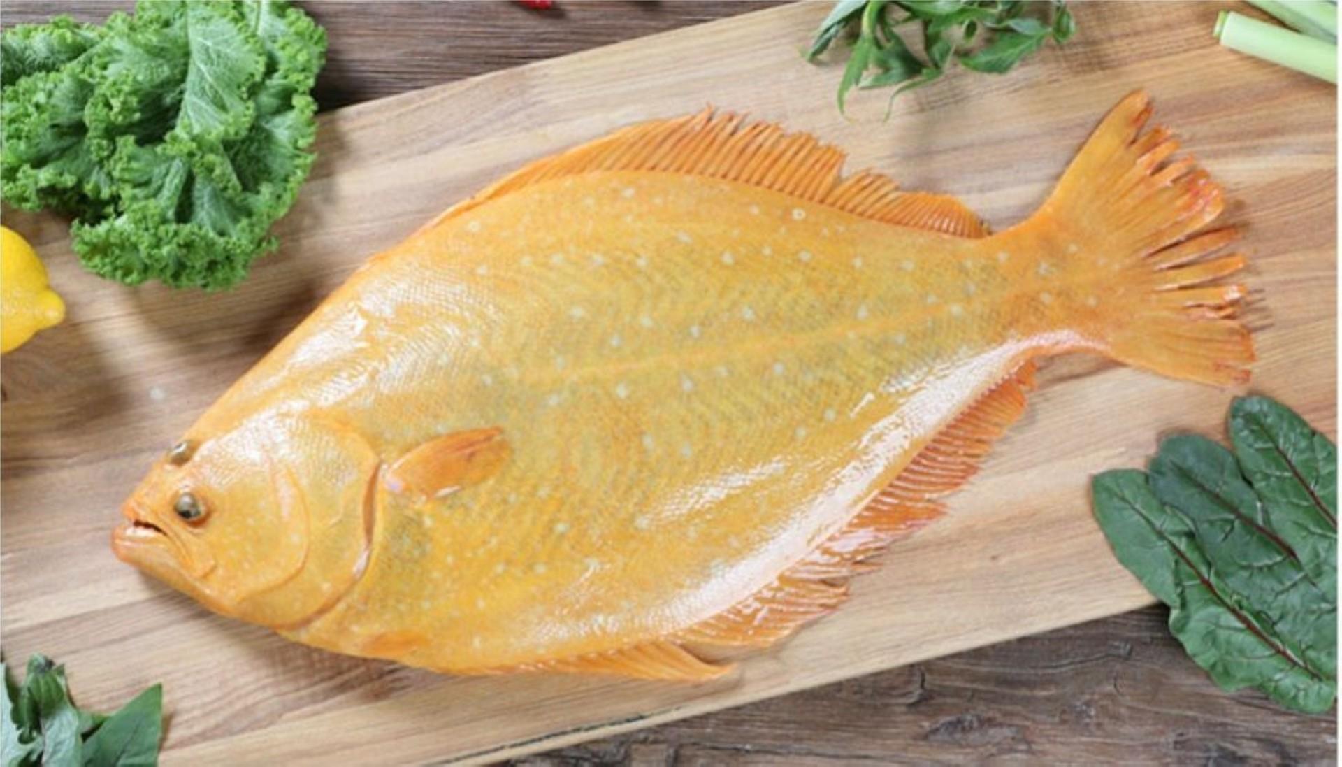 The flounder has a light and simple taste.