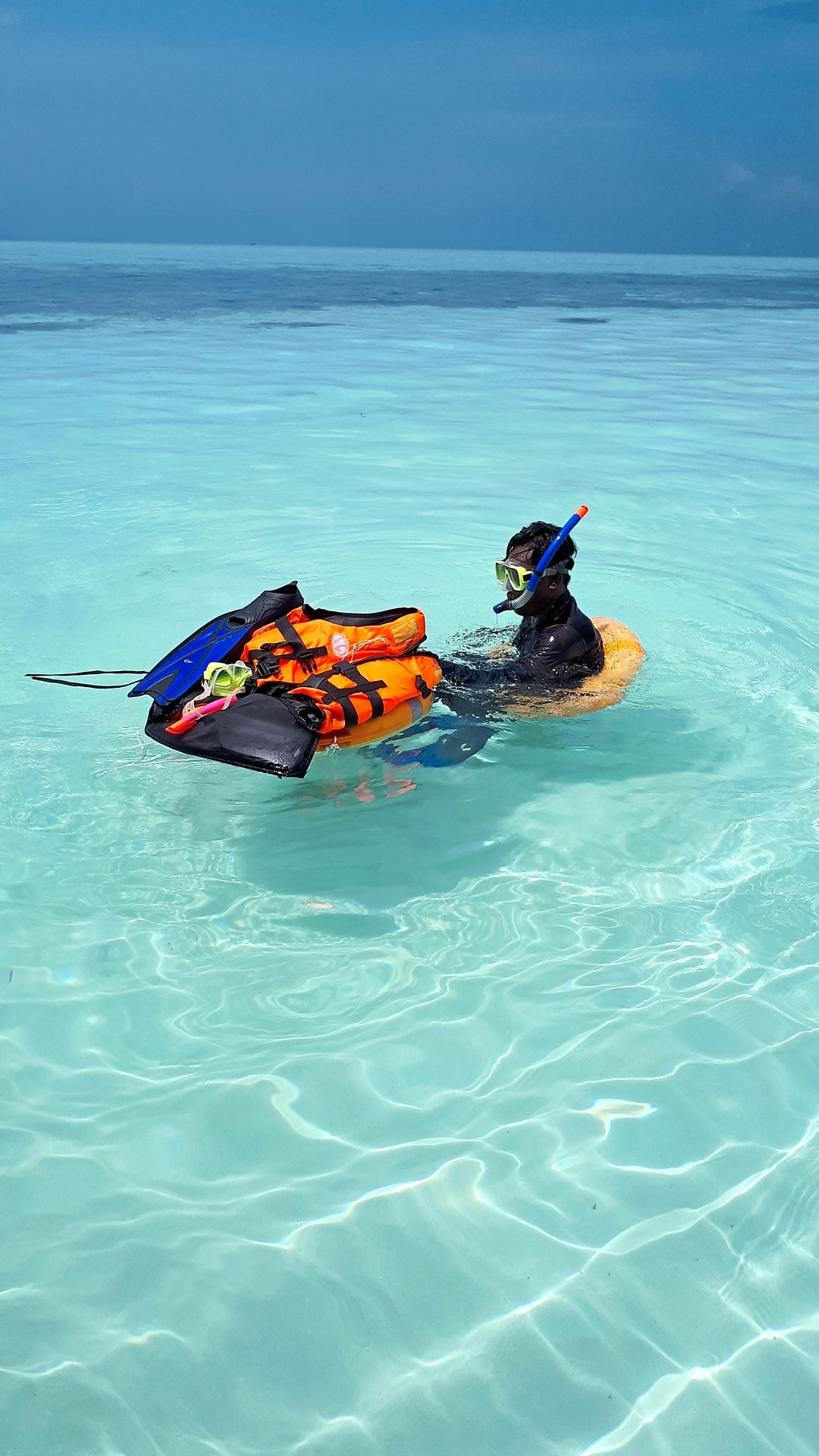 Go snorkelling or diving at any of the islands near Semporna.