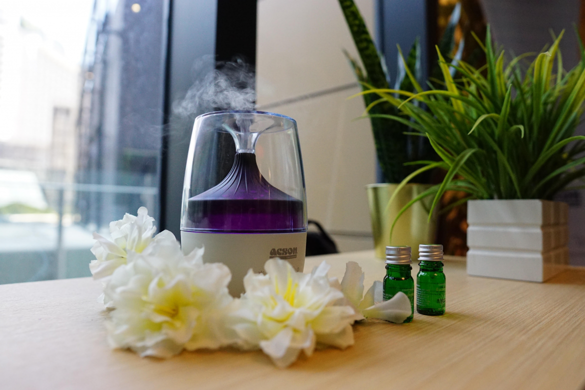 Smell your favourite scent anywhere you go with the portable Aroma Diffuser.