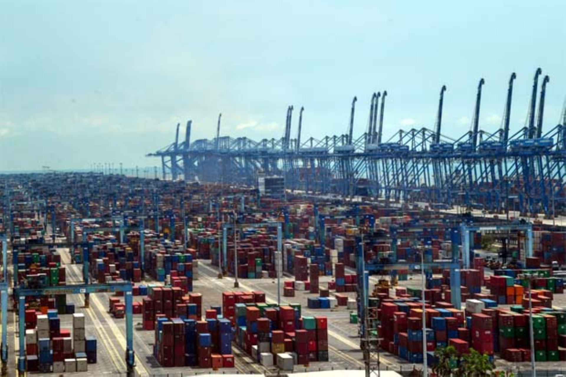 """""""Westports has sustained its favourable container throughput growth momentum against a backdrop of a moderate industry expansion rate due to strong support from its clients, including liners under the Ocean Alliance, as the latter uses Westports as one of its transshipment hubs in South-East Asia, """" group managing director Datuk Ruben Emir Gnanalingam said."""