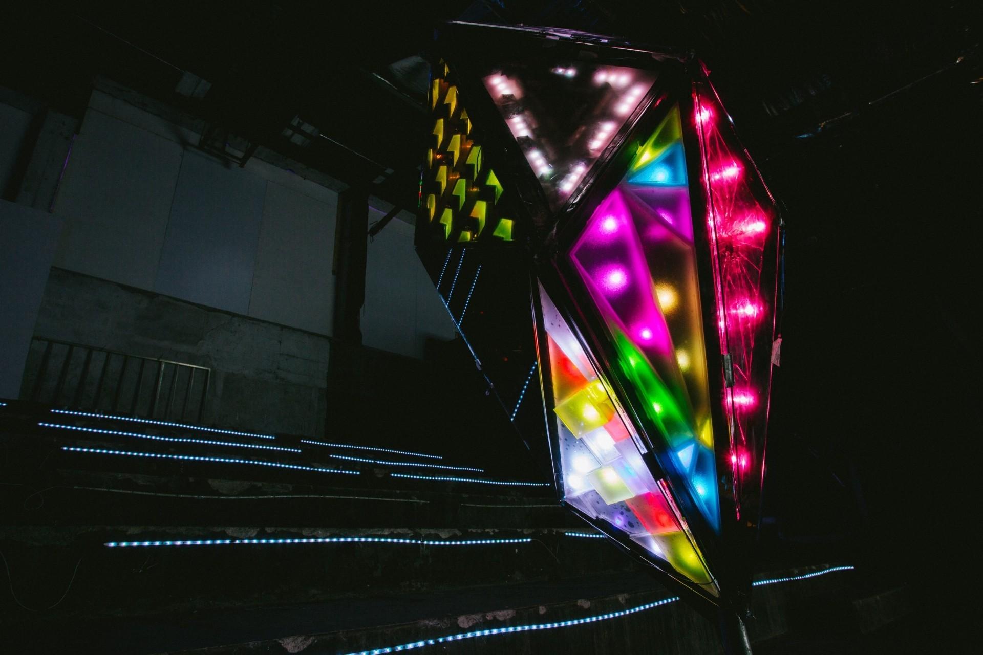 The One Academy's BIMDs' Icosahedron (LED strips, acrylic, mixed sensor, 2019). Photo: Helios Loo