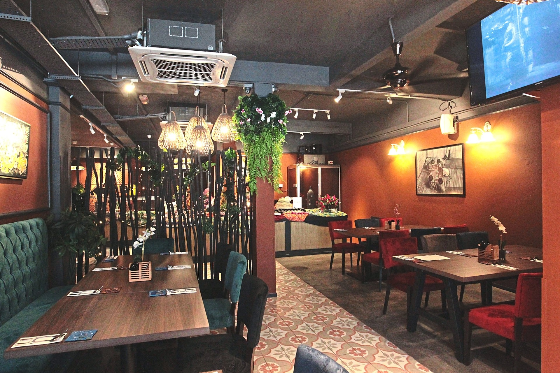 The restaurant has an old-fashioned quality to it, with modern, contemporary touches added here and there.