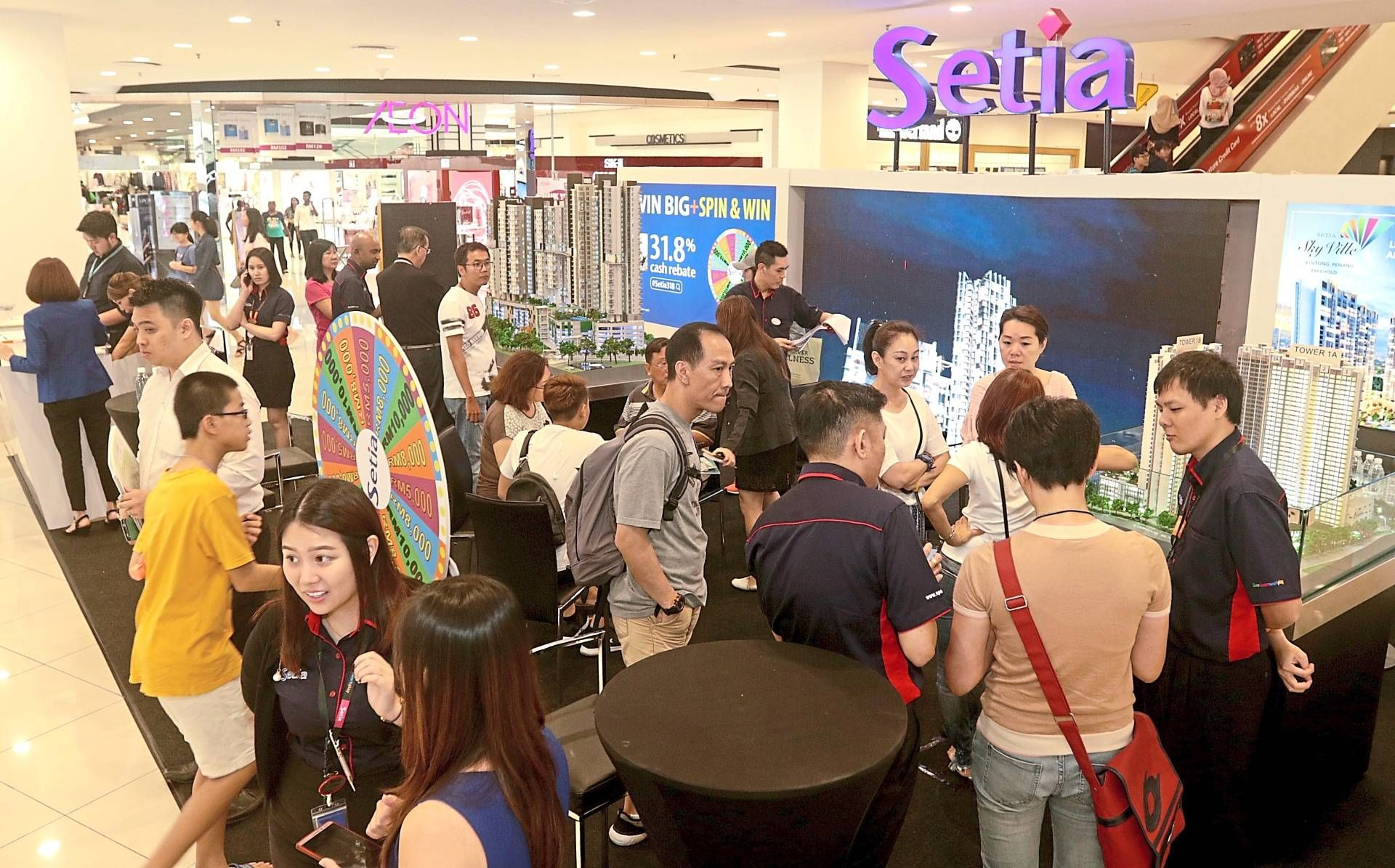 Good response: People visiting SP Setia booth at a property fair in Penang. In the nine months, the group secures sales totalling RM3.07bil, of which 85% or RM2.60bil comprised local projects.