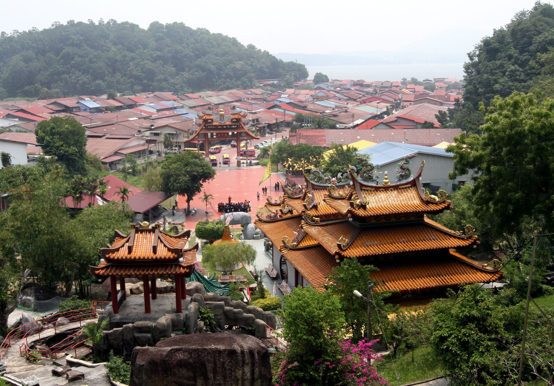 Worth the effort: It might take some time and effort, but climb up the stairs towards the back of Fu Lin Kong temple to gain access to a beautiful view of the island's landscape.
