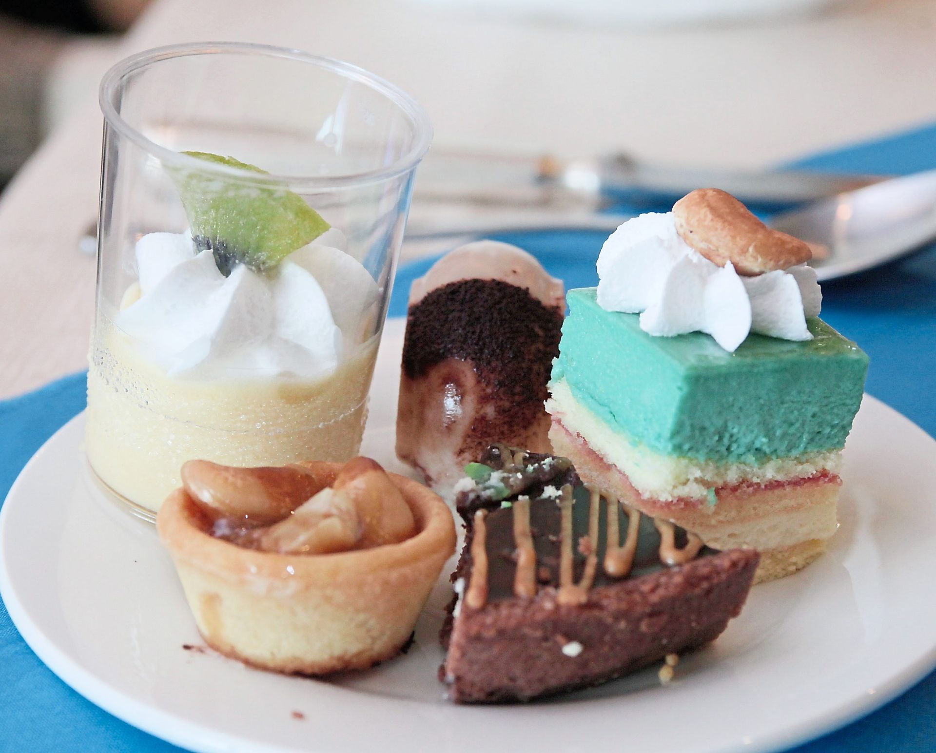 You can still eat sweets and desserts if you're diabetic but do so in moderation. — Filepic