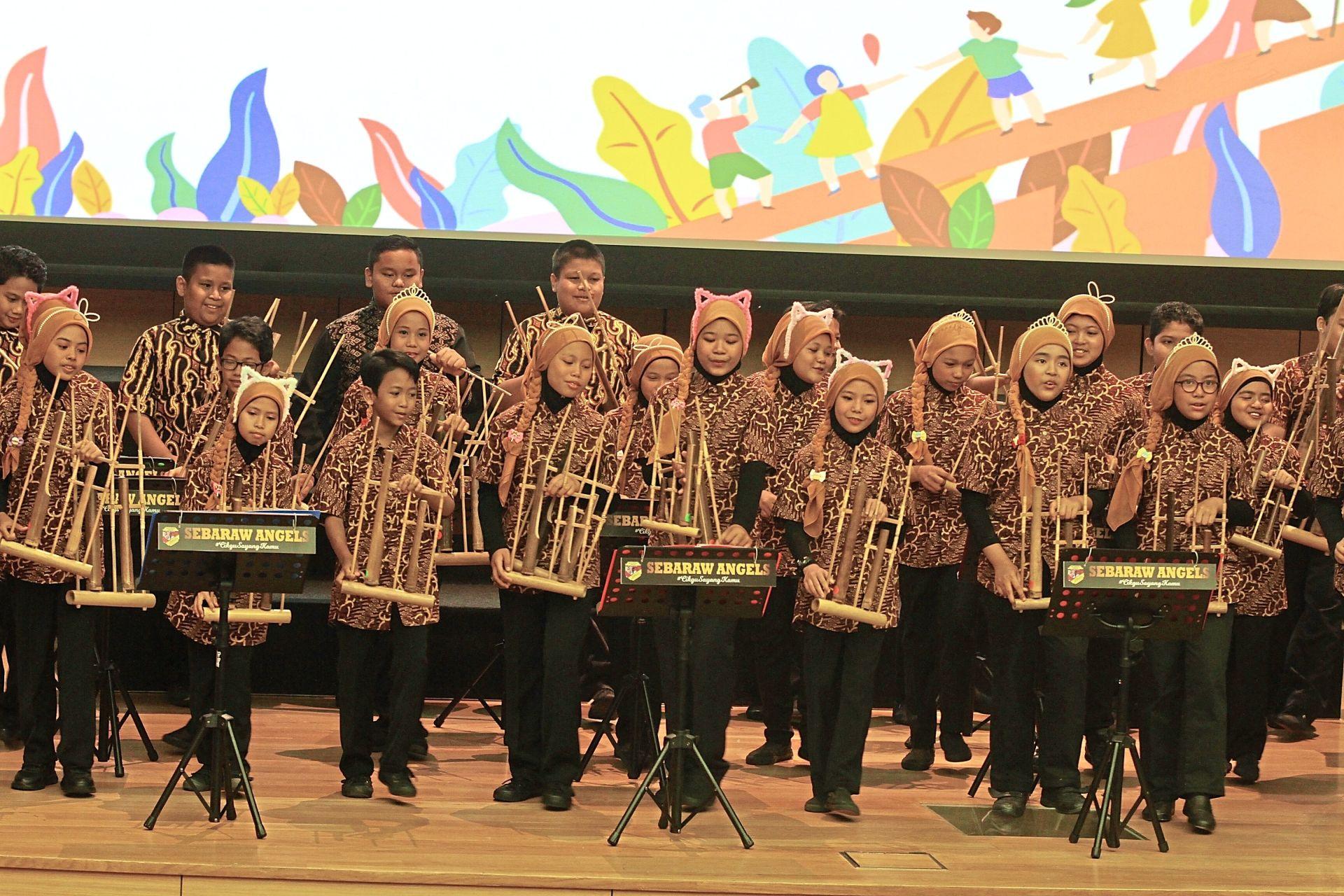 Angklung performance by SK Bandar Baru Rawang students.