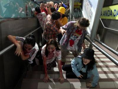 Zombie invasion in the city centre.