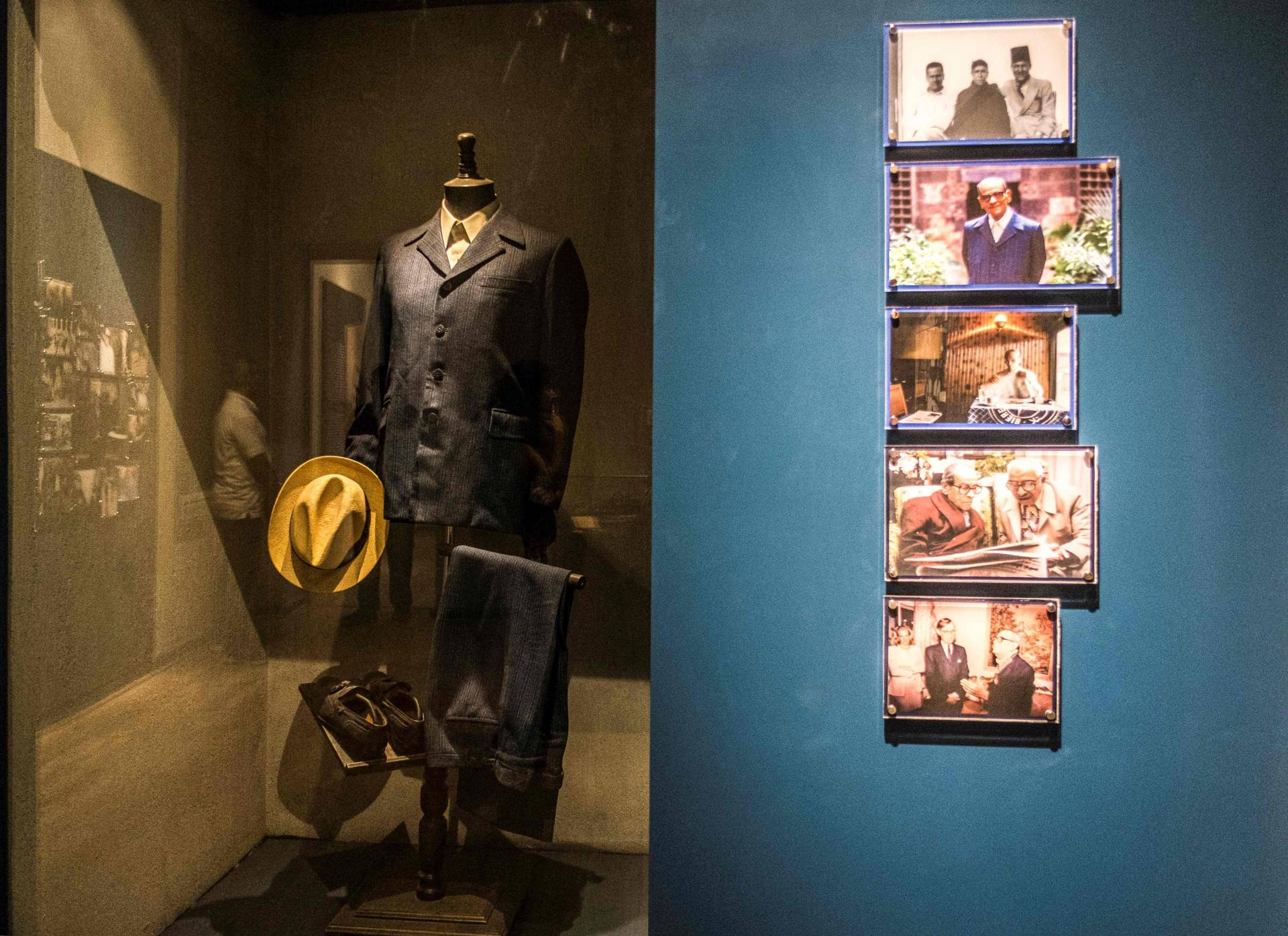The suit and the hat of Naguib Mahfouz exhibited at the museum. Photo: AFP