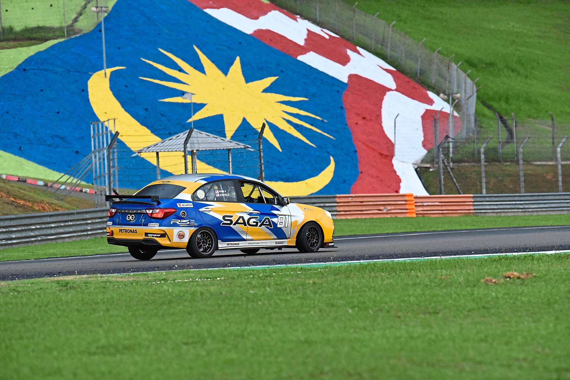 The 2019 Proton Saga driven by Syafiq and Admi finishing in second place.