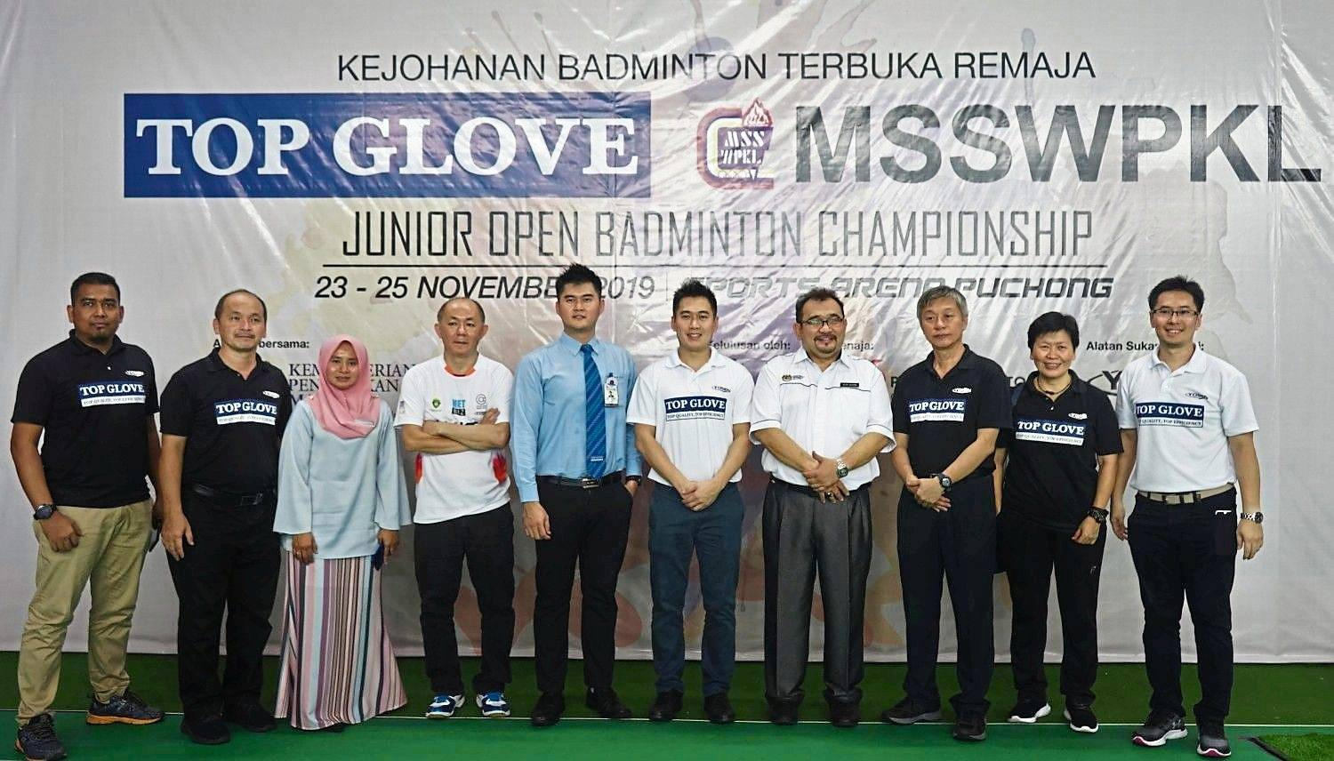 MSSWPKL Junior Open Badminton Championship 2019 organising committee and sponsors at the prize-giving  ceremony.