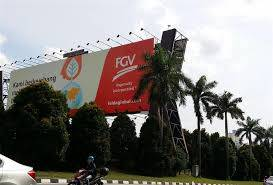 FGV rallied 13 sen to RM1.45 with 46 million shares done, catching up with the more profitable plantation players. At RM1.45, this was the highest since October 2018 on a news report that a tycoon was keen to take up a stake.