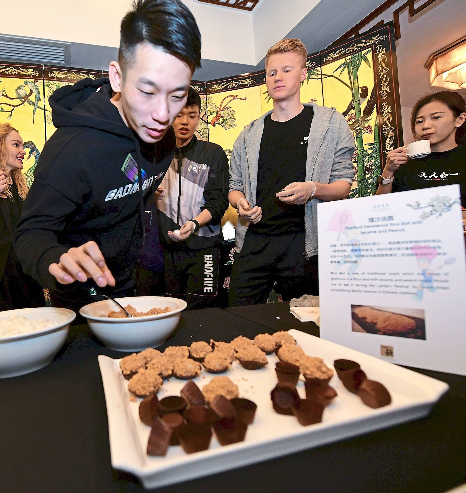 Chan Peng Soon checking out the good food.