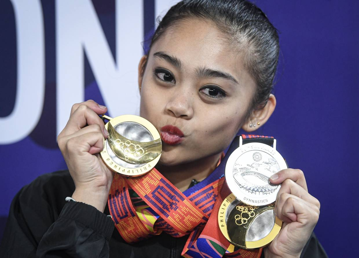 M'sia's Izzah has gold medal reinstated in ribbon event in SEA Games