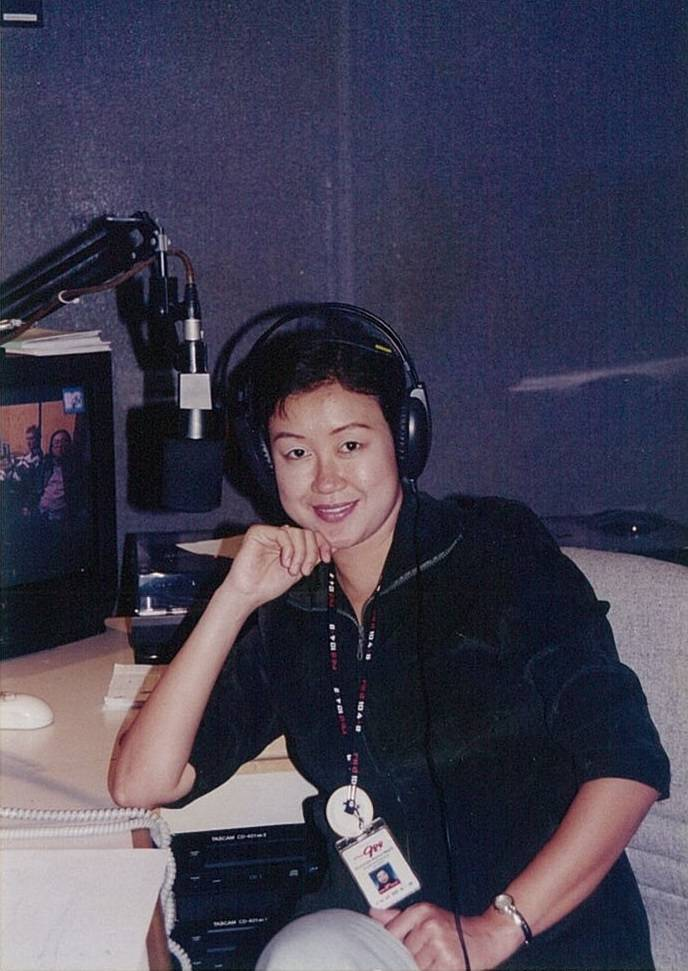 When DJ Lin first auditioned to be a radio announcer at Rediffusion (later renamed Red FM), she didn't think she'd get the part as there were so many hopefuls. Despite the odds, she was hired in 1999.