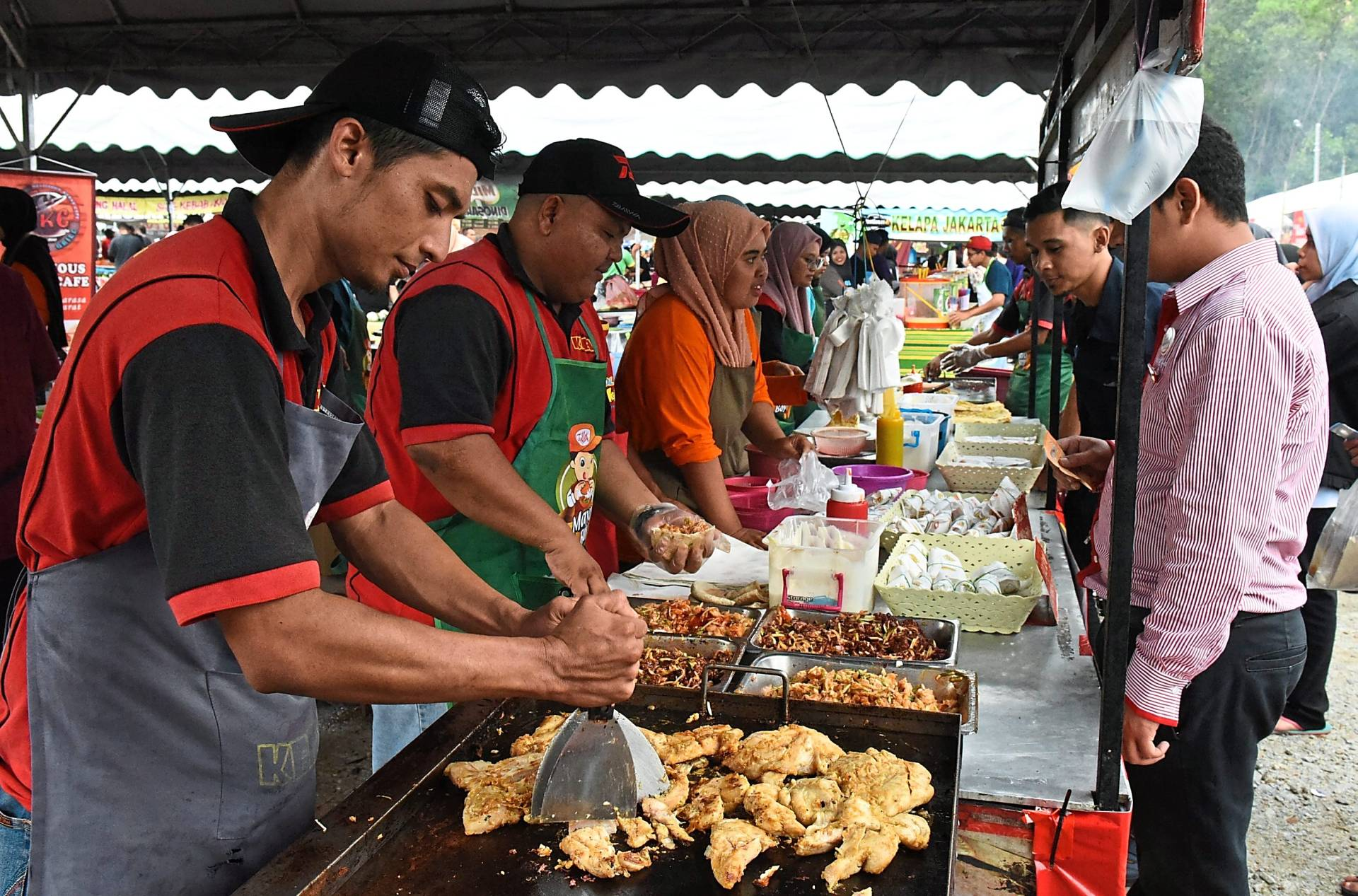All food handlers in Malaysia are required to get a typhoid vaccination by law to prevent the possibility of spreading this infectious disease.