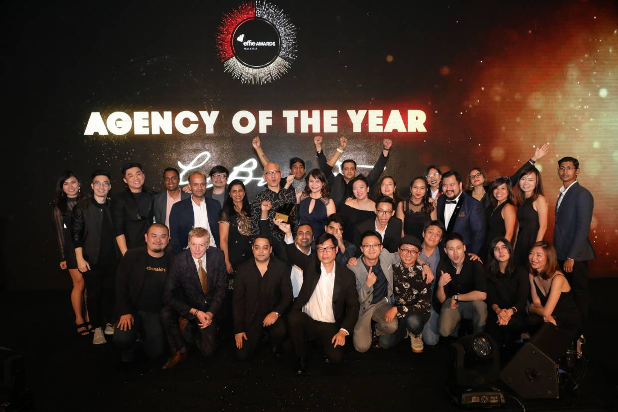 "Leo Burnett Advertising named as ""Agency of the Year"". Tan Kieneng, CEO Publicis Groupe & Leo Burnett (seated fourth from left) seen holding the award after a jubilant win at the Effies 2019."