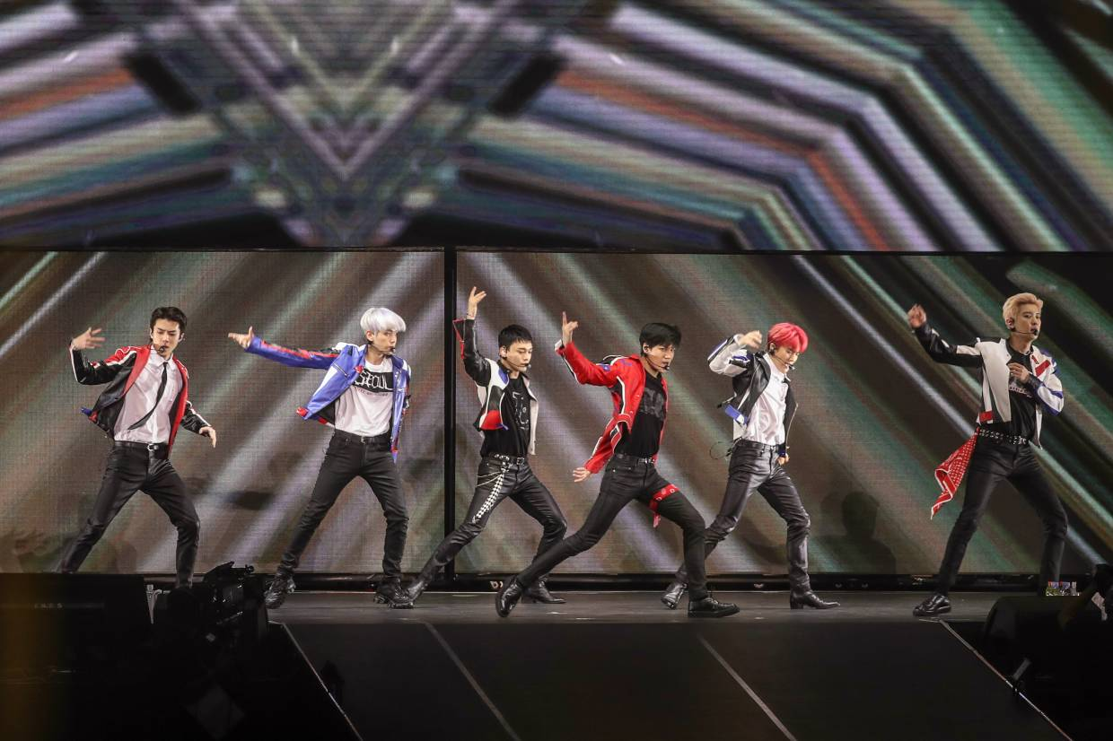 The boys performed tracks from EXO's fifth full-length Korean album 'Don't Mess Up My Tempo', which is its best-selling release.