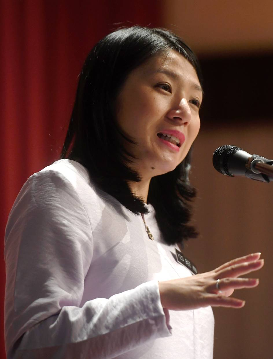 Netflix interviewed Energy, Science, Technology, Environment and Climate Change Minister Yeo Bee Yin on the issue. Photo: Bernama