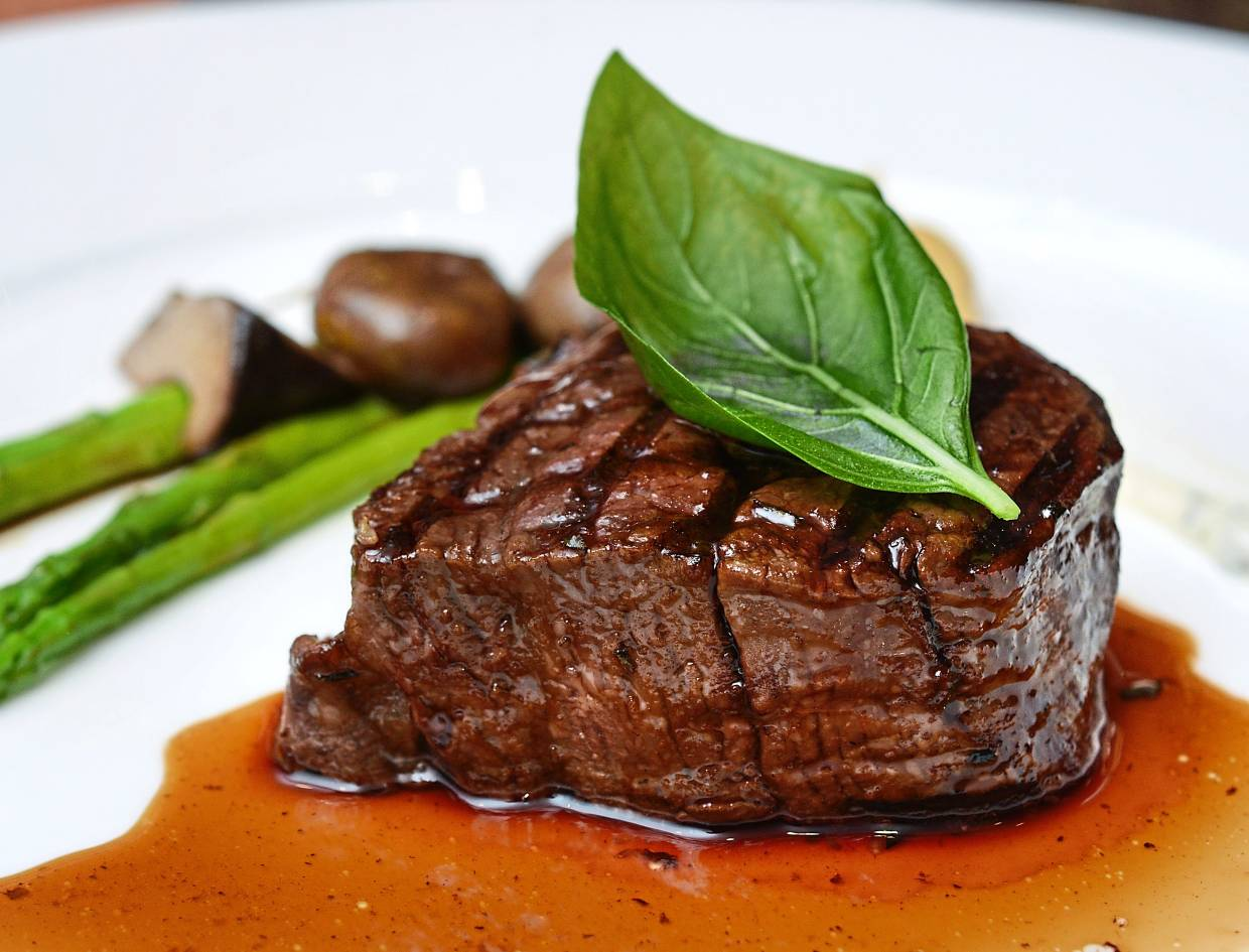 Christmas Eve and Christmas Day diners can enjoy Black Angus Tenderloin at the Festive Set Dinner of Feringgi Grill.
