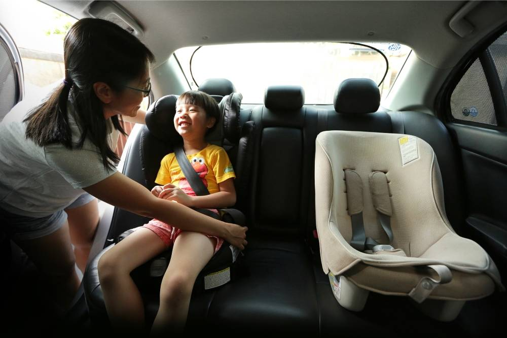 Buy suitable car seats for your kids